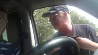 שומר רוסי מחזיר לנהג מרוקאי חזק ביותר !!!
