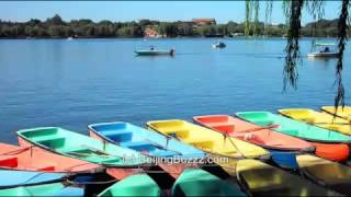 Video : China : Boating on BeiHai Park 北海公园 lake, BeiJing - video