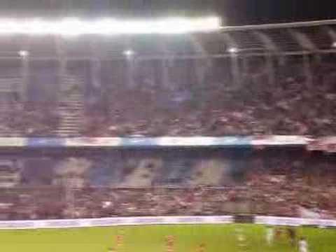 """""""La Caldera del Diablo - Cada día te quiero más"""" Barra: La Barra del Rojo • Club: Independiente • País: Argentina"""