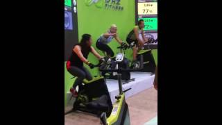 DHZ Fitness spinning bike class on 2013 china sport show