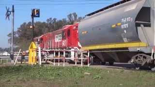 preview picture of video '6600 + 6413 por Granadero Baigorria (18-08-2014)'