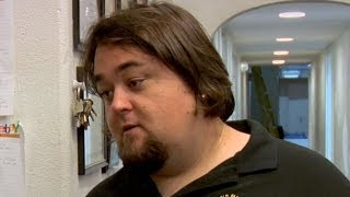 African Warlord prank calls Pawn Stars; Chumlee