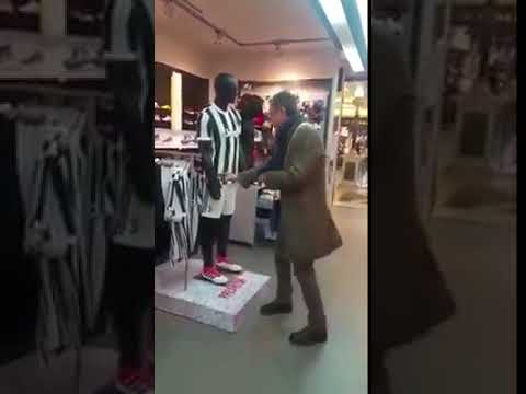 Manichino juventino ruba portafoglio ad un passante