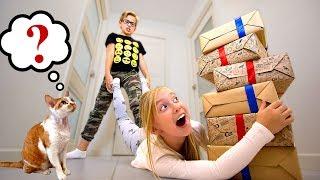 Дети НЕ Поделили ПОДАРКИ! Что в КОРОБКЕ на Новый ГОД? Катя и Ростя Смешное Видео Mystery Gift Box