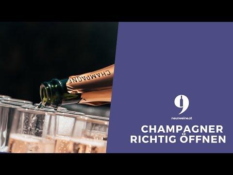 9Weine Gründer Michael erklärt, wie man eine Champagnerflasche richtig öffnet