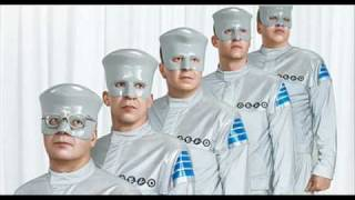 Devo - Smart Patrol / Mr. DNA - Live @ 2010 Olympics