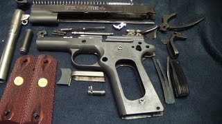 Colt 1911 government model (disassembly)