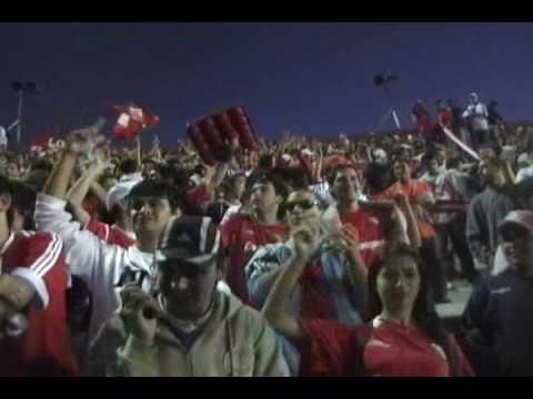 """""""Independiente Vs Lanus. Entrada de la banda!. Ya comienza el carnaval!."""" Barra: La Barra del Rojo • Club: Independiente • País: Argentina"""