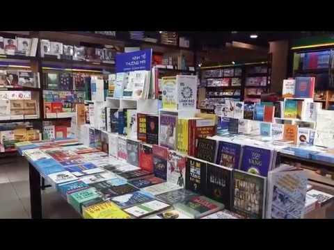 Nhà sách dưới tầng hầm trung tâm Sài Gòn - Underground bookstore in the center of Saigon city