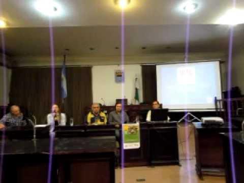 Panel de Discusión ¿Es posible la Agroecología Extensiva? Río Cuarto 2013 (Presentacion)