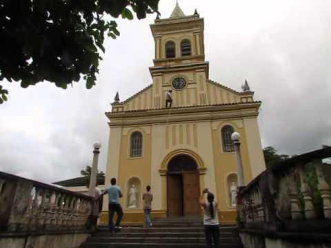 Rappel na torre da igreja em Silveirânia