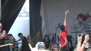 """All Time Low - """"Dear Maria, Count Me In"""" [Partial] (Live in San Diego 6-22-18)"""