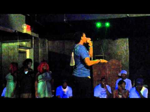 LypheMuzik performing at Club Rendevu