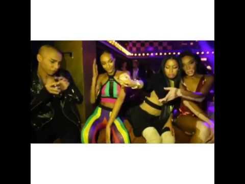 #NickiMinaj out in #Paris club