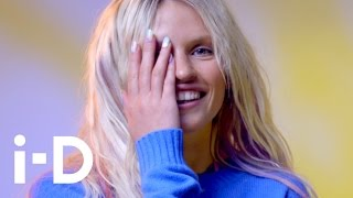 How To Grunge Hairstyle With Tina Outen and Anja Konstantinova