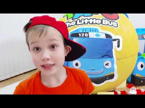 Дети играют в Игрушки Маши в гигантском яйце и Тайо в большом шаре видео
