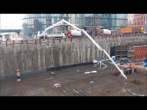 Betonpumpe Großbaustelle am Hafen