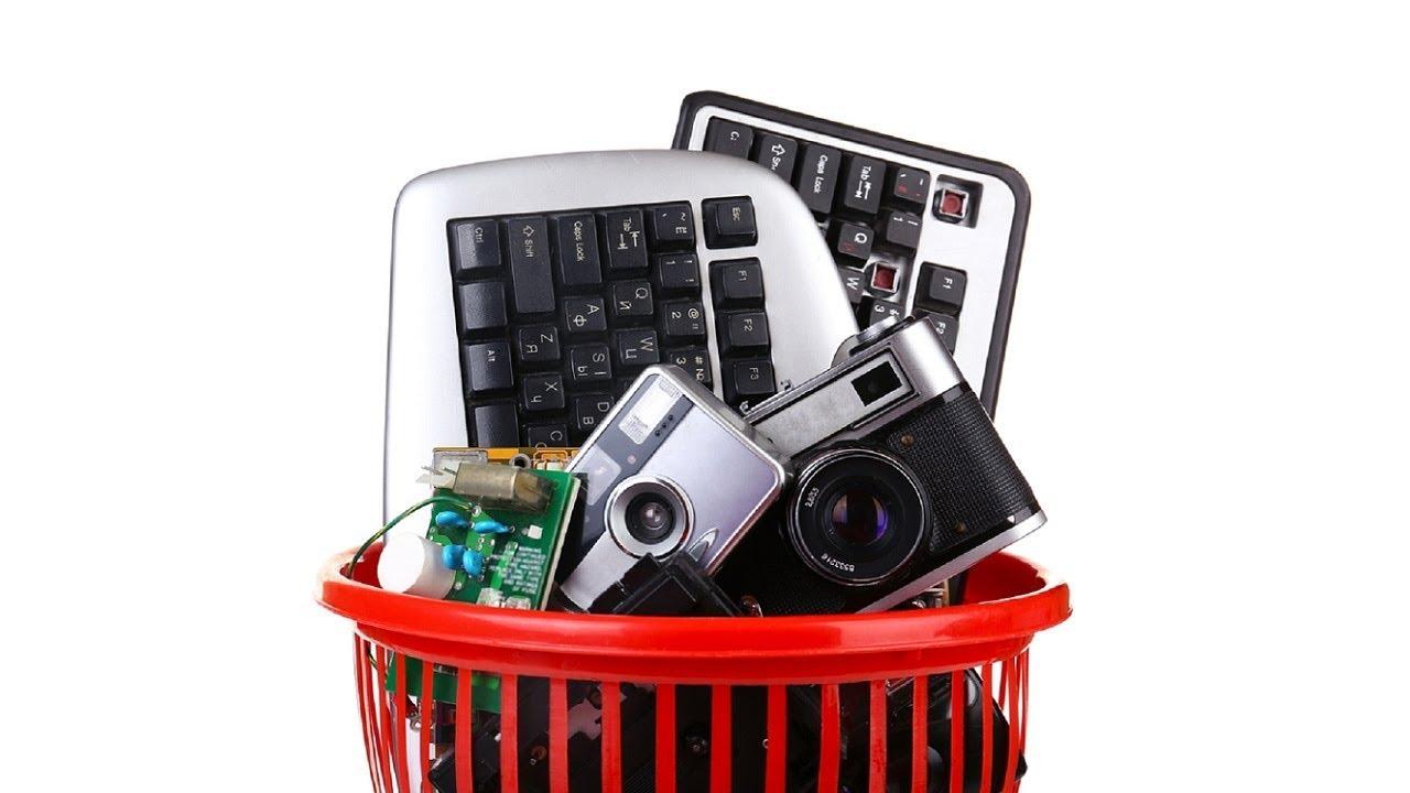 Εσείς ανακυκλώνετε τις παλιές ηλεκτρικές συσκευές στο γραφείο;
