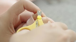 How to cut your baby's nails