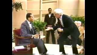 Minister Farrakhan's First Appearance On Donahue 1985