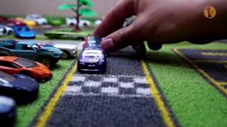 Авария на трассе! #Машинки Хот Вилс устроили гонки! Hot Wheels Race - Crash on track!