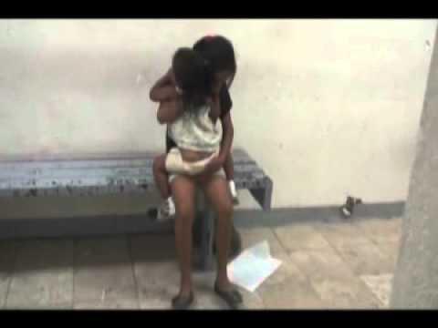 1 niñas encadenadas