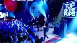 Franz Ferdinand - No You Girls (TOTP 13-03-2009)