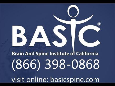 Dolori di spina dorsale in un collo a scoliosis