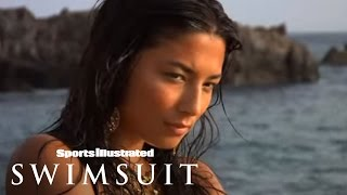 Jessica Gomes-Sports Illustrated Swimsuit 2009