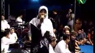 """Cak Nun ; Belajar Sambil Tertawa , Dari Tembang & Lagu Unik Dan """" Nakal """" Ala Kyai Kanjeng"""