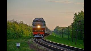 Тепловоз ТЭП70-0428 с поездом 54/143 СПб-Киев/Харьков