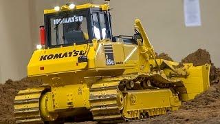 RC dozer ACTION! Nice R/C construction machines at work!