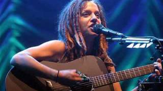 Ani DiFranco - Fuel live at Bonnaroo 2009 with lyrics