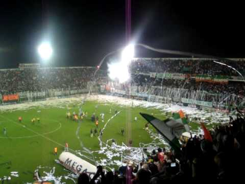 """Salida de Banfield conra Racing.MPG"" Barra: La Banda del Sur • Club: Banfield"