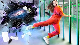 Uzay Hapishanesinden Kaçış Komik ve Tuhaf Durumlar