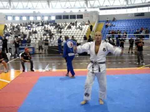 Marcello Monteiro wining the  Brazil Sul Jiu Jitsu Cup - Challenge  2010  - Location : Brazil