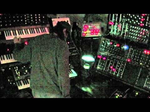 analog synth jam inspired by john carpenter synthtopia. Black Bedroom Furniture Sets. Home Design Ideas