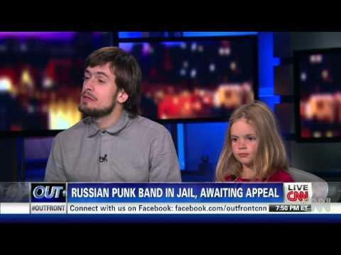 Интервью Петра Верзилова с дочерью на CNN онлайн видео