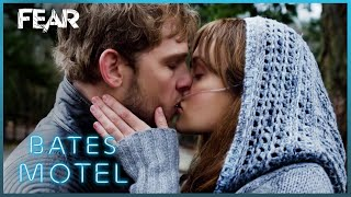 Youre A Freaking Warrior! Emma's Lung Transplant | Bates Motel