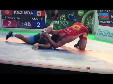 Якутский борец Айаал Лазарев вышел в полуфинал Кубка мира