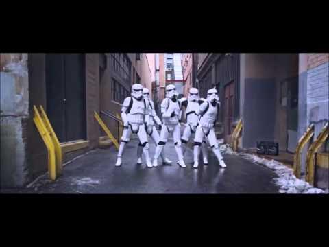 Stormtrooper dances Single Ladies by Beyonce [READ THE DESCRIPTION]