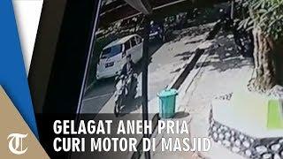 Seorang Pria Tunjukkan Gelagat Aneh di Masjid, Ternyata Ini yang Dilakukannya