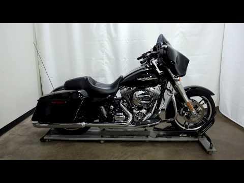 2016 Harley-Davidson Street Glide® in Eden Prairie, Minnesota - Video 1