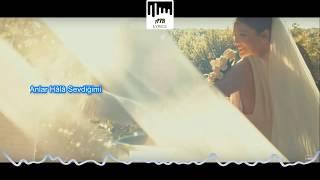 Demet Akalın  - Ağlar O Deli (ŞARKI SÖZLERİ & LYRICS)