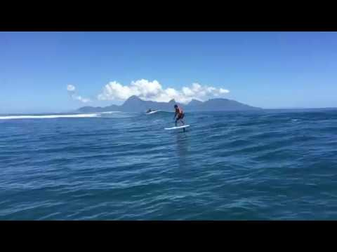 Surf Foil - Patrice Chanzy in Tahiti
