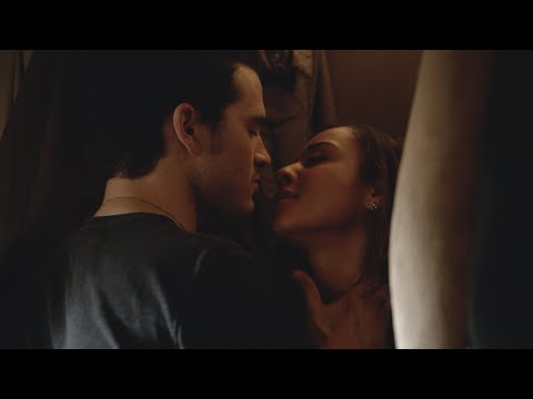 The Vampire Diaries: 6x02 - Enzo Make Out Scene