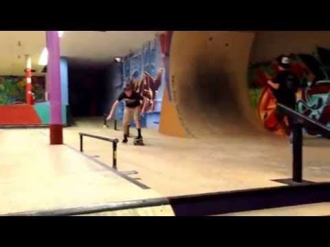 Boarder town skatepark clips