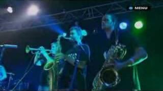 Mark Ronson Performs Stop me Live Glastonbury 2007