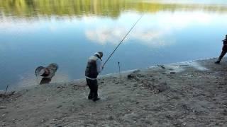 Ловля рыбы на тройник рывком