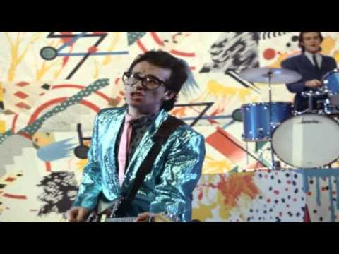 , title : 'Elvis Costello & The Attractions - Beyond Belief (Early Version)'